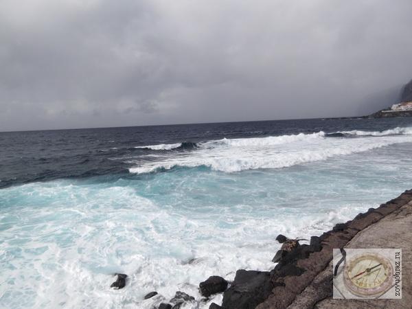 """«Ветер, ветер, ты могуч, ты гоняешь стаи туч!..» Атлантический океан, Канарские острова. – Фото: Пресс-центр ЗоВУ, 2014. - Одного ли корня слова """"свет"""" и """"ветер""""?"""